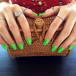 Greeeeeen - Natural looking Acrylic Nail Extensions