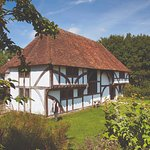 Visit Bayleaf Tudor farmstead, with its 1540 farmhouse, Tudor kitchen, garden, orchard and barn.