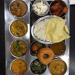 Foto di Nagalingam's Bhavan Pure Vegetarian (Jain) Indian Restaurant