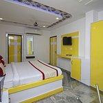 OYO 8743 Hotel Ravi Palace