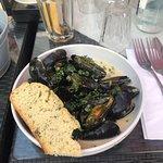 صورة فوتوغرافية لـ Blue Plate Restaurant Bar Cafe Deli
