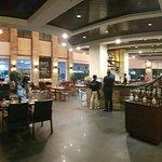 Potret Moat Bar & Grill