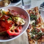 tomato salad with flat bread