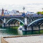Foto di Puente de Isabel II (Puente de Triana)