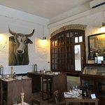 Kantinon Tavern의 사진