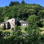 Vue d'ensemble du Moulin de Record dans le Tarn