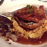 Foto de Swiss Hutte Inn & Restaurant
