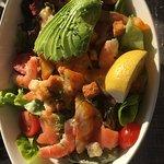 Salade saumon, revettes, avocat