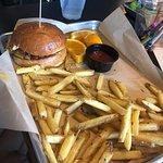 Tipsy Cow Burger Barの写真