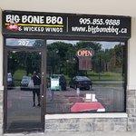 Big Bone BBQ & Wicked Wings1 resmi