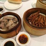 Spare ribs, chicken feet