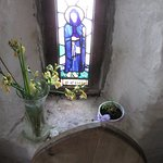 Fotografie: The Holy Well and Chapel of St Trillo