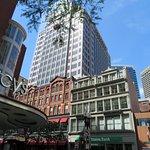 ภาพถ่ายของ Downtown Crossing