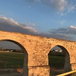صورة فوتوغرافية لـ Kamares Aqueduct