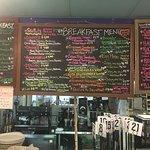 صورة فوتوغرافية لـ Ginny's and Jane E's Cafe and Coastal Store