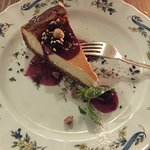 cheese cake with amarena cherries (perfection)
