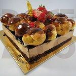Semi-Frio de Chocolate e Profiteroles! Encomende em www.docealto.pt! :)