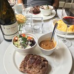 Chateaubriand and recommended wine