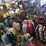Pine Peaks Restaurant, Gifts, and Apparel resmi