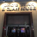 Foto de Dino's Steak & Claw House