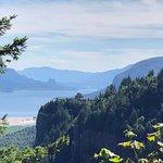 صورة فوتوغرافية لـ Portland Women's Forum State Scenic Viewpoint