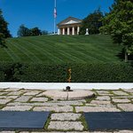 The Kennedy Graves and Robert E Lee's mansion