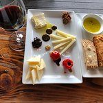 Foto de We Olive & Wine Bar