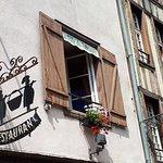 En façade