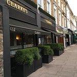 ภาพถ่ายของ Clarke's