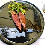Flank Steak mit wildem Blumenkohl und Bratensauce