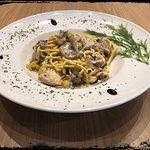 Wok pasta with chicken and mushroom
