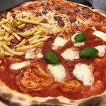 صورة فوتوغرافية لـ La Pizza della Titti