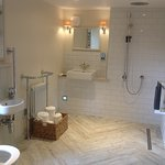 Goswick bathroom