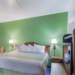 Motel 6 Dickinson