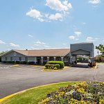 Quality Inn & Suites Haywood Mall Area
