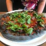 Black pizza (Etna)