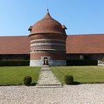 plus grand pigeonnier d'Europe, classé. Hauteur :11 mètres, circonférence :22
