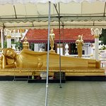 Buddha tertidur