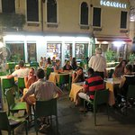 Late night food at Caffe Internazionale in Venice (01/Aug/18).