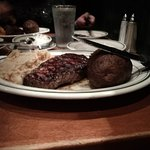 Foto de Izzy's Steaks & Chops