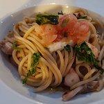 Spaghetto polpo burrata (?) tartare gambero