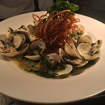Whole Shell Clams with garlic,oregano,white wine touch of cream & toasted ciabatta sticks