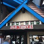 Foto de Tony's On the Pier