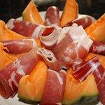 anti pasti. melon jambon de parme