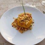 Pimiento relleno de couscous con tabule