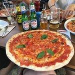 Die Pizza Margarita, kühles Peroni, Herrlich..