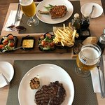 Foto de The Town Contemporary Grill & Bar