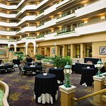 Embassy Suites by Hilton Greensboro - Airport