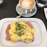 Foto de The Guesthouse Brasserie & Bakery