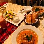 Foto di V Cafe (Restaurant/Bar/Live Music)